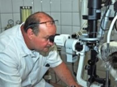dr. Dobos András